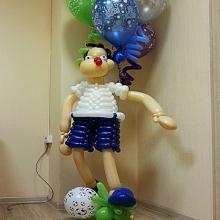 Футболист из шаров