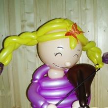 Еще одна девочка из шаров