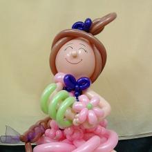 Девочка с цветами из шаров