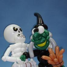 Скелет и ведьма