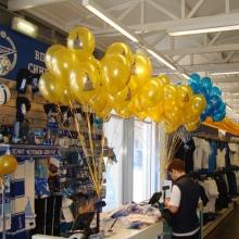 Воздушные шары в магазине
