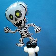 Скелет на колонне